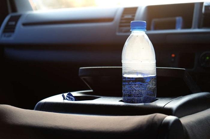 Минеральная вода замерзает и может взорваться. / Фото: drivenn.ru