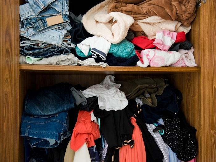 Если в шкафу беспорядок, значит мало свободного места. / Фото: earljean.com