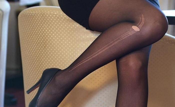Не нужно стыдиться, если вы обнаружили стрелку на колготках. / Фото: en.postila.io