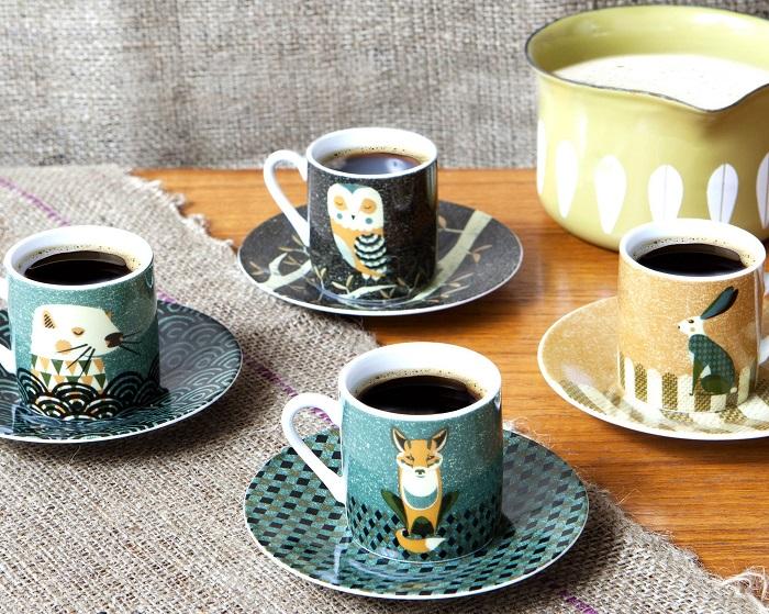 Чашки с иллюстрациями художника Тома Фроста. / Фото: pinterest.ru