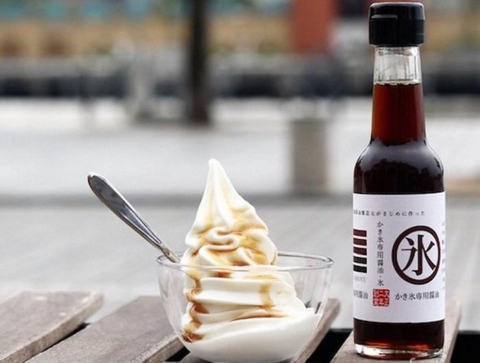 Соевый соус может выступить в качестве карамели на мороженом. / Фото: facte.ru