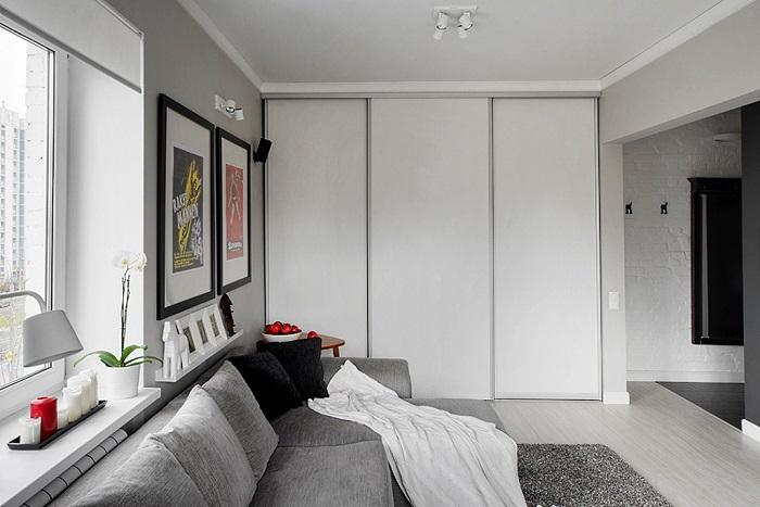 Шкаф в цвет стен сливается с пространством. / Фото: fasad.guru
