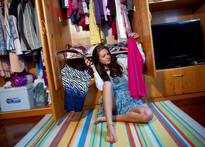 Проведите ревизию гардероба. / Фото: fasad.guru