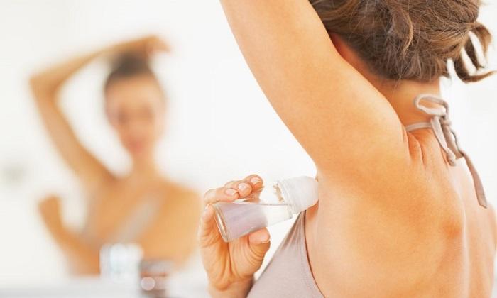 Использовать дезодорант нужно 2-3 раза в неделю, не более. / Фото: fitsnews.com