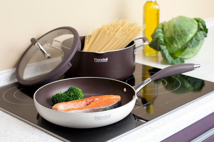 Нужно обзавестись качественными кухонными девайсами. / Фото: hoff.ru