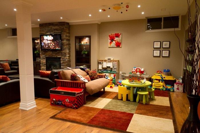 Игровая зона в гостиной лишит комнату свободного пространства. / Фото: remontbp.com