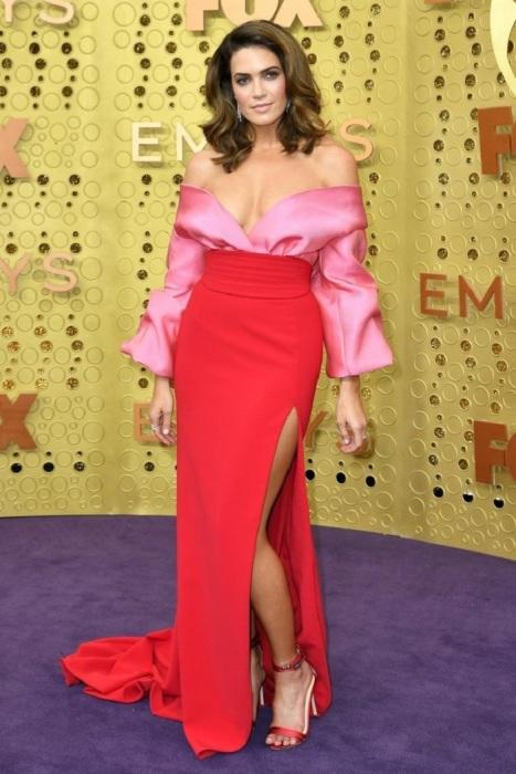 Мэнди Мур в платье от Brandon Maxwell. / Фото: intermoda.ru