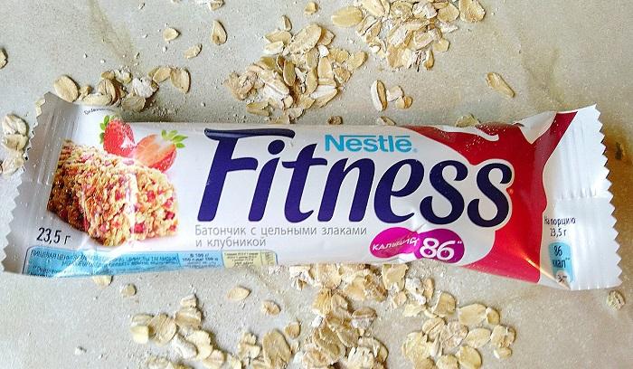 Фитнес-батончики не помогут вам похудеть. / Фото: irecommend.ru