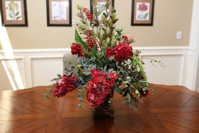 Искусственные цветы отнимают уют. / Фото: news.myseldon.com