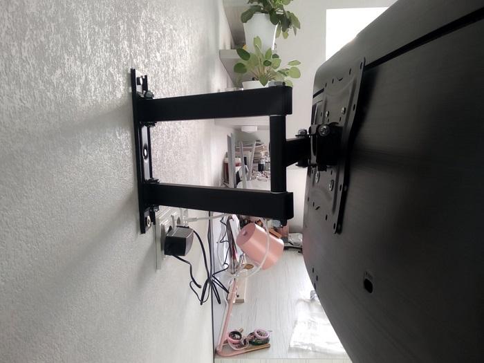 До задней стенки телевизора сложно добраться. / Фото: makler.md