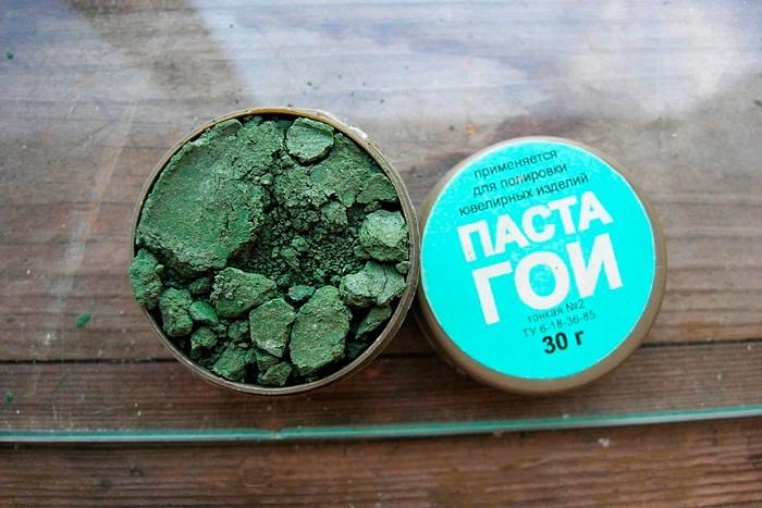 Паста ГОИ - профессиональное средство для полировки. / Фото: kakklub.ru
