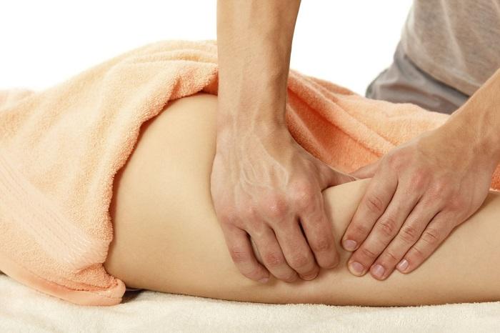 Бороться с целлюлитом помогает не только массаж но и правильное питание. / Фото: kinashcentr.ru