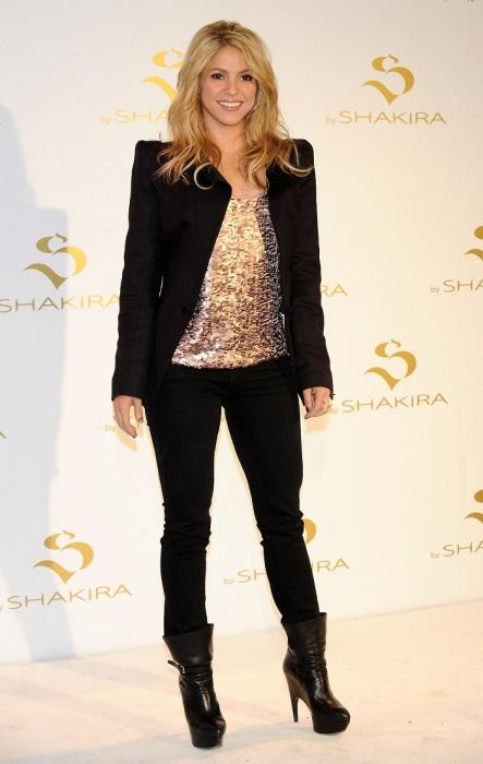 Шакира любит высокие каблуки. / Фото: kinootziv.com