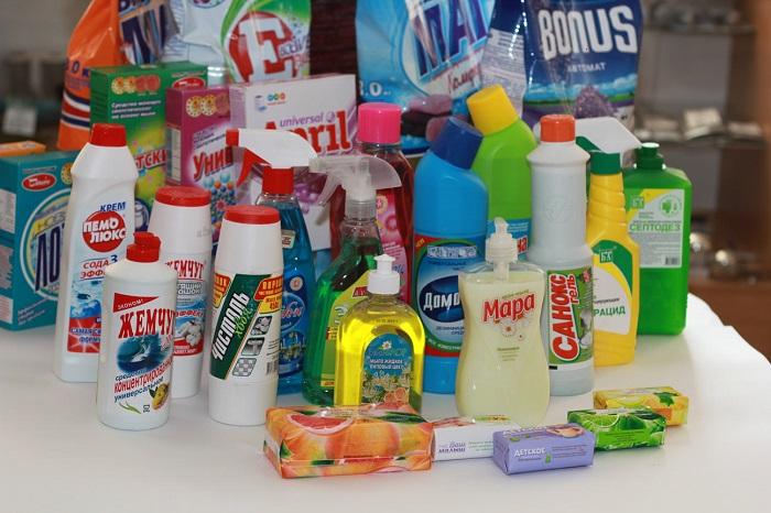 Чистящими средствами нужно пользоваться дозированно. / Фото: kliningovyj-raj.ru