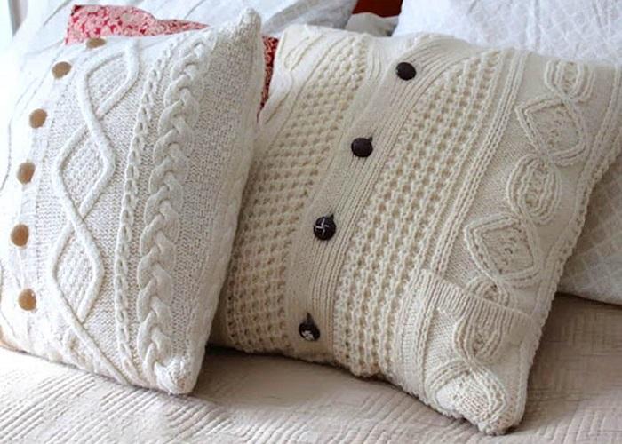 Подушки из свитера. / Фото: koffkindom.ru