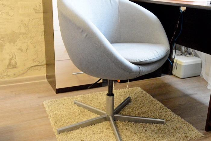 От стула может болеть спина. / Фото: darudar.org