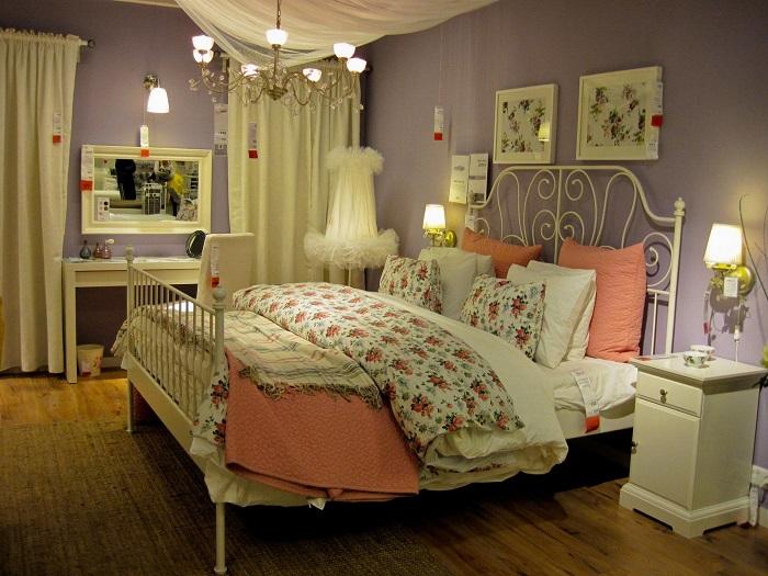Металлическая кровать выглядит очень изящно. / Фото: tohome.com.ua