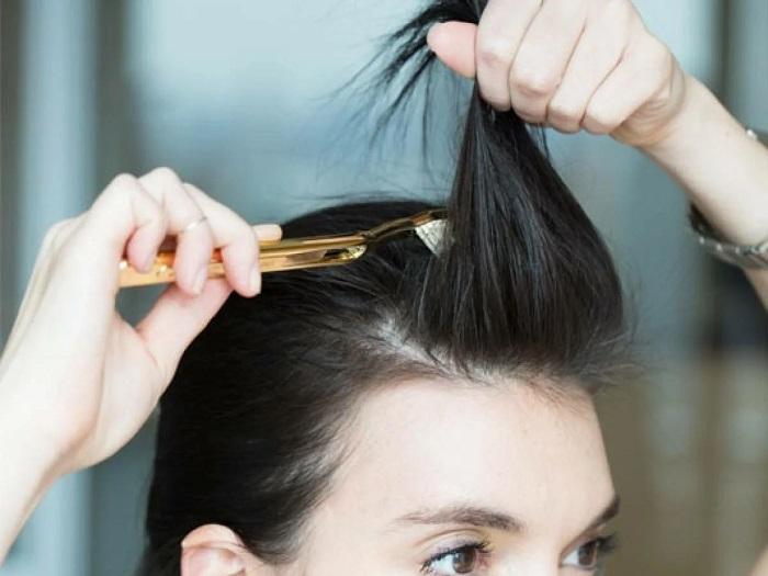 Отличный начес можно сделать зубной щеткой. / Фото: syl.ru