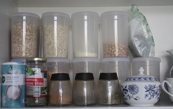 Пусть сыпучие продукты остаются в банках. / Фото: spasibovsem.ru