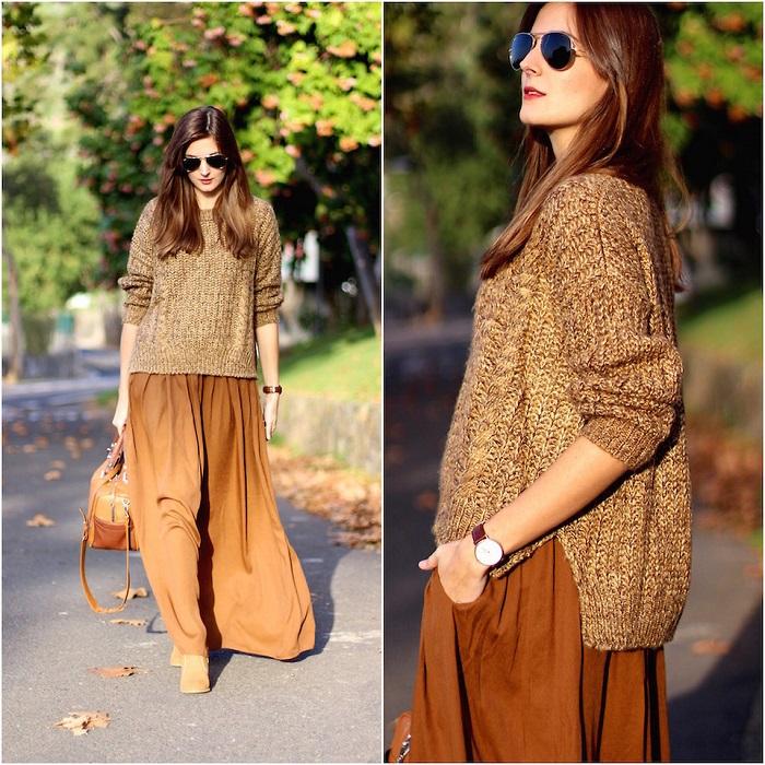 Золотистый свитер гармонично смотрится со светло-коричневым платьем. / Фото: lookbook.nu