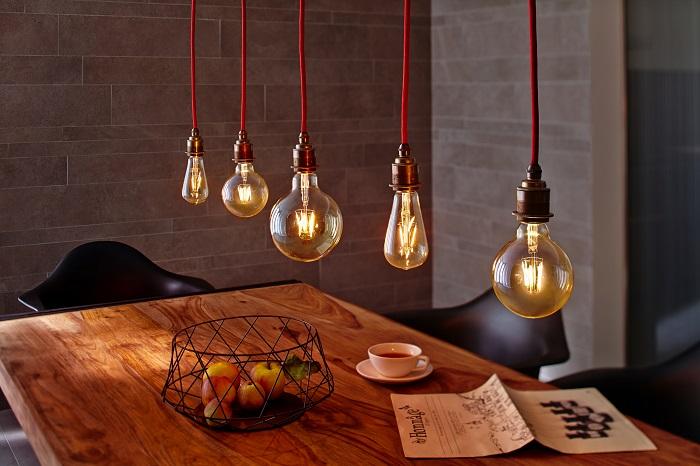 Лампы накаливания - отличный декор для стиля лофт. / Фото: lumled.by
