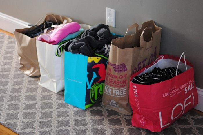 Если у вас есть одежда, которую вы не носите, отдайте ее подругам. / Фото: makinglemonadeblog.com