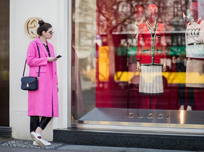 Для базового гардероба лучше покупать качественные вещи, так как вы их будете носить не один сезон. / Фото: marieclaire.ru