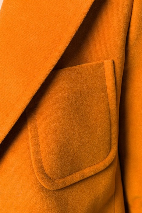 Пристальное внимание уделяйте форме, глубине и качеству карманов. / Фото: mark.moda