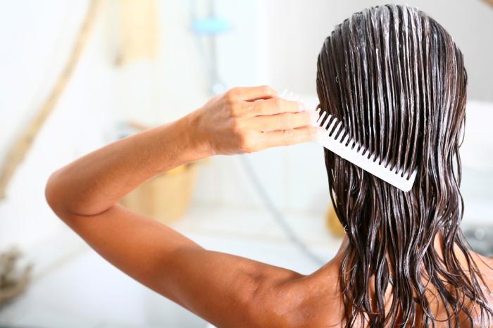 Маска для волос вымывает цвет. / Фото: dnevniq.com
