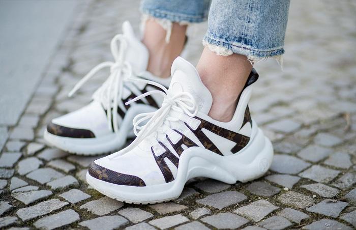 Тренд на массивную обувь остаётся, но именно эта модель уже не на пике моды. / Фото: edinstvennaya.ua