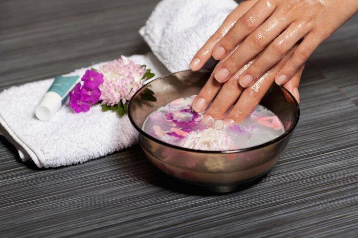Отличный уход - ванночки для ногтей. / Фото: max4u.ru