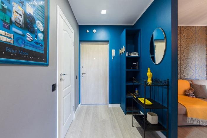 Яркий цвет стен создаст нужную атмосферу. / Фото: mebelvdome.org