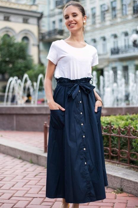 Складки на юбке создают несколько лишних сантиметров на талии. / Фото: mentol-shop.com.ua