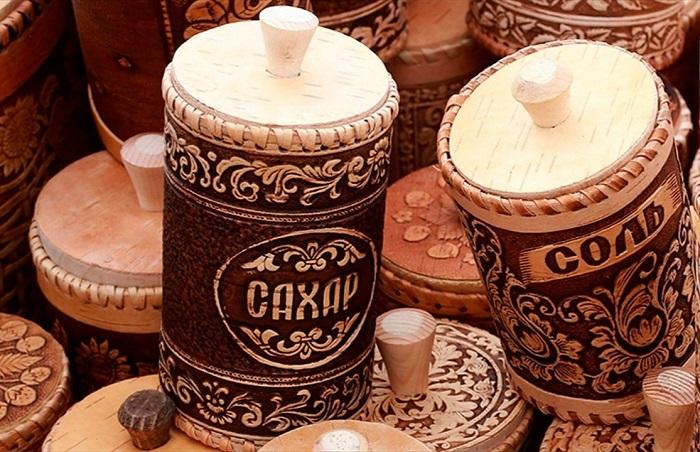 Сахар и соль должны храниться в сухом, темном месте. / Фото: misanec.ru