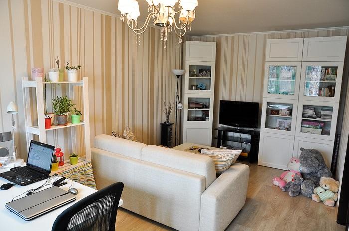 В комнате много мебели, нет удобных проходов. / Фото: designadvice.ru