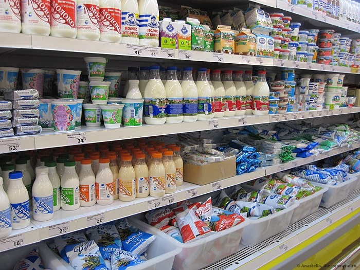 В магазине полки с молочными продуктами весьма обширные. / Фото: today.ua