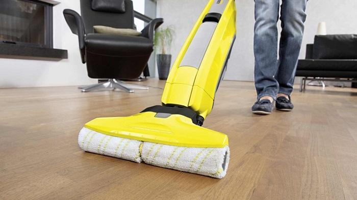 Моющий пылесос можно использовать не на всех поверхностях. / Фото: iq-servis.ru