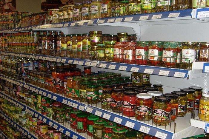Покупая консервацию, вы большую часть денег отдаете за тару. / Фото: nenagljadnaja.ru