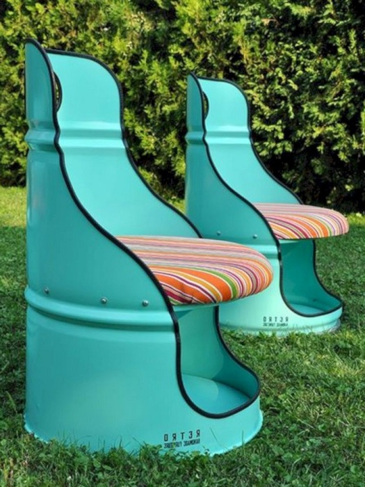 Бочка может превратиться в удобное кресло. / Фото: novamett.ru