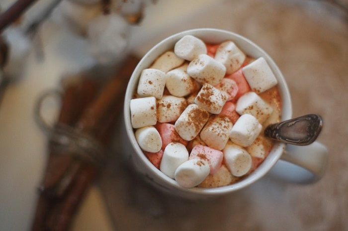 Маршмеллоу с кофе - вкусно, но высококалорийно. / Фото: olonho.ru