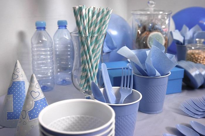 Одноразовой посудой лучше пользоваться на пикниках. / Фото: pexels.com