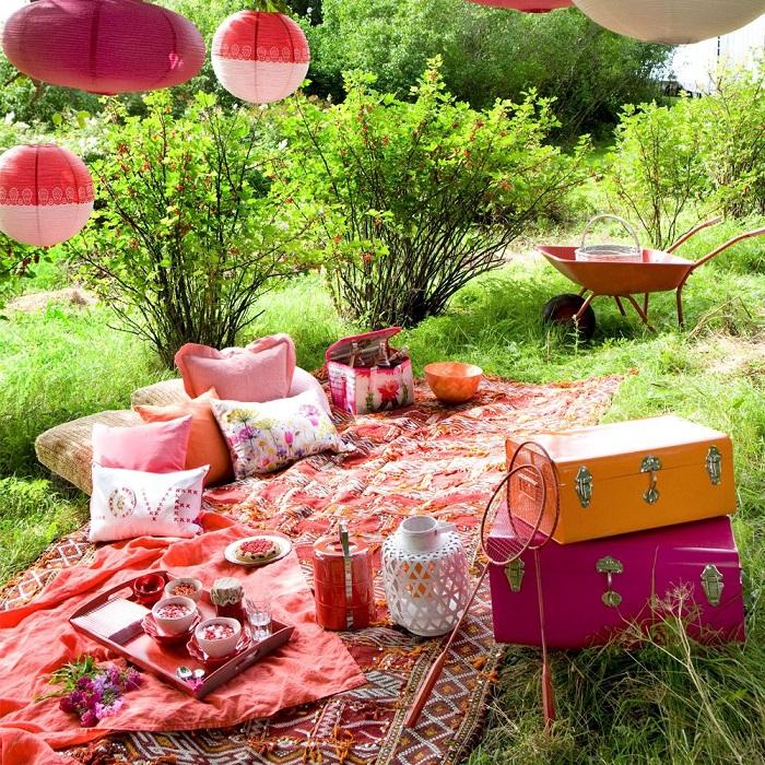 Украсьте место для пикника. / Фото: pinterest.com