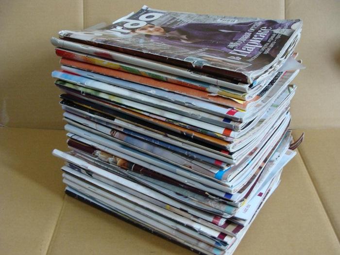 Стопку журналов лучше выбросить, а новости читать онлайн. / Фото: decoracaoearte.com.br
