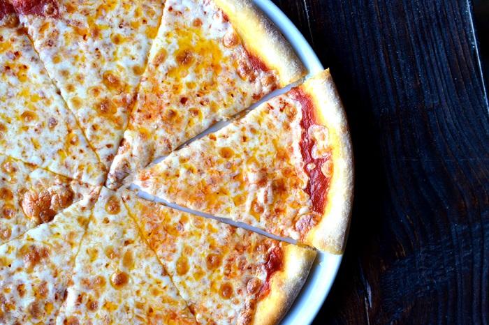 Бледная пицца без хрустящей корочки. / Фото: restaurants-for-you.ru