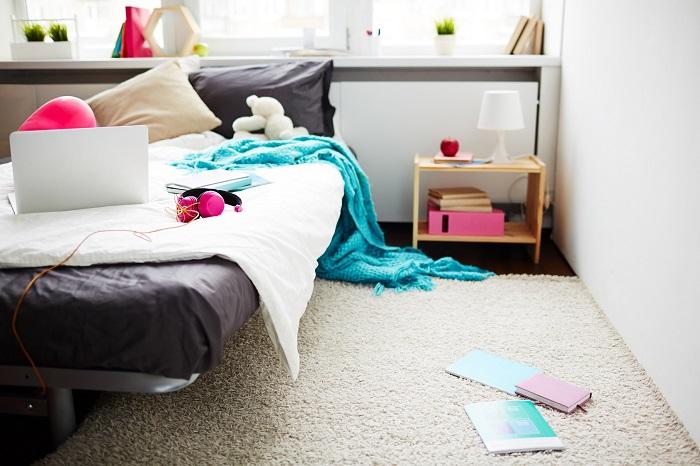 Неубранная кровать - признак неорганизованности. / Фото: podbean.com