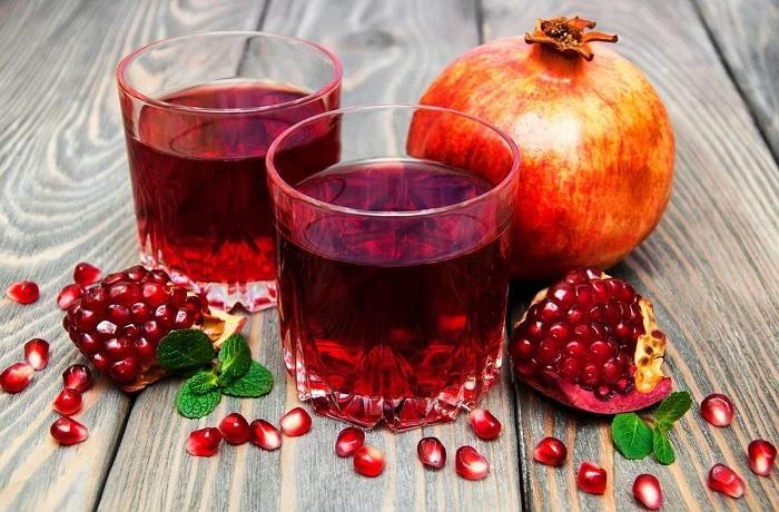 Гранатовый сок сложно делать в домашних условиях. / Фото: polza-vred.su