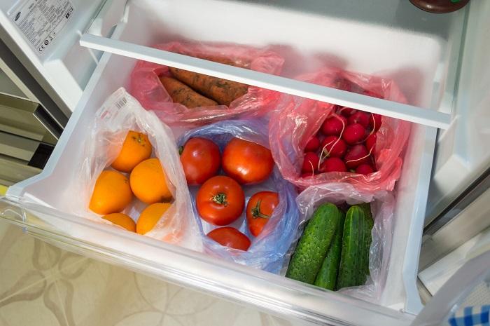 Помидоры в холодильнике теряют вкус и аромат. / Фото: fishki.net