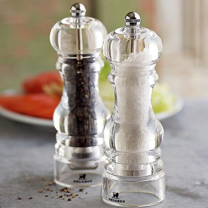 От того, насколько мелкой будет соль, вкус блюда не зависит. / Фото: primemeat.ru