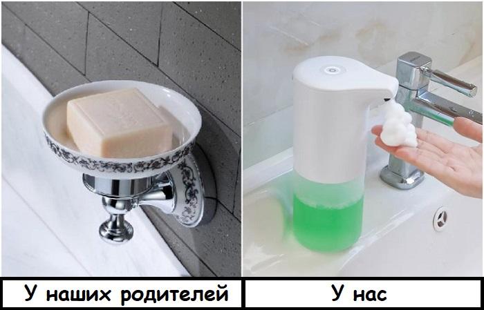 Практичнее и удобнее является сенсорный дозатор для мыла