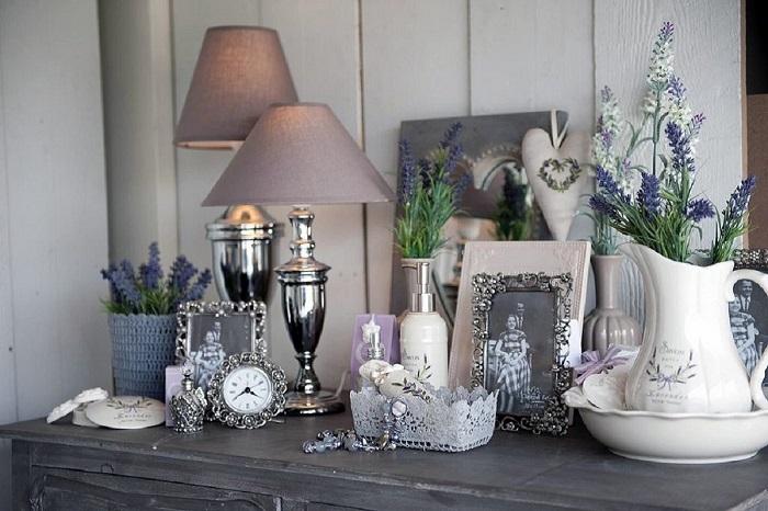 Прованс невозможно представить без большого количества декора. / Фото: prodezign.ru